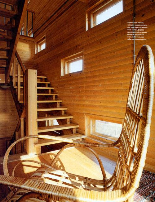 """Дом в традициях деревянного зодчества. Архитектор Андрей Волков (лестница и окна-""""бойницы"""")"""
